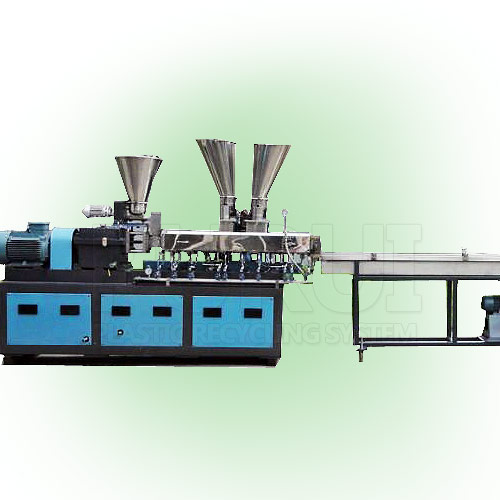 Lab using twin screw extruder