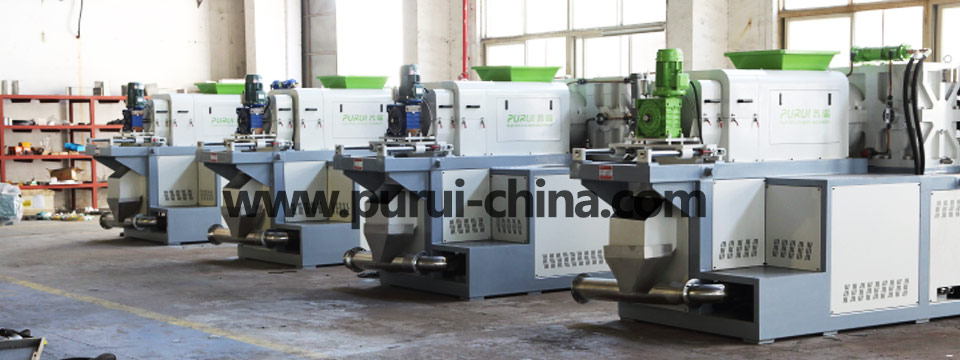 plastic squeezer for plastic film recycling line